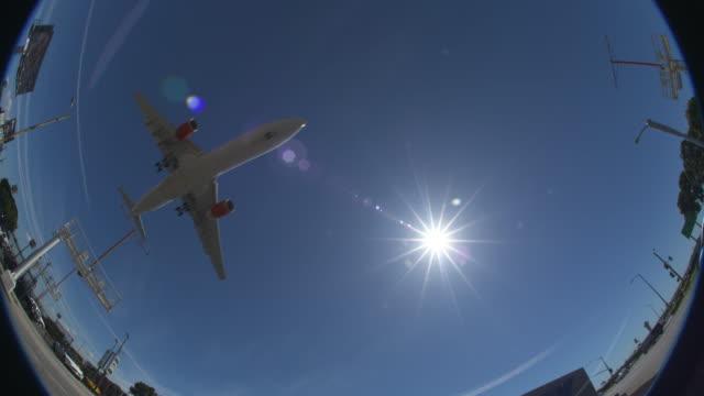airplane fisheye view - fischaugen objektiv stock-videos und b-roll-filmmaterial