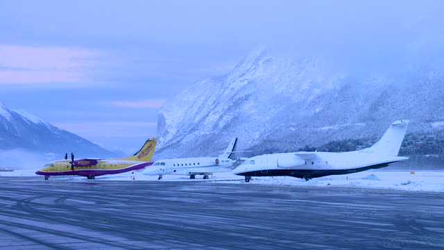 airplane in winter