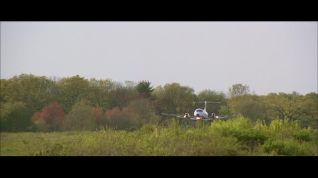 TS Airplane landing at airport