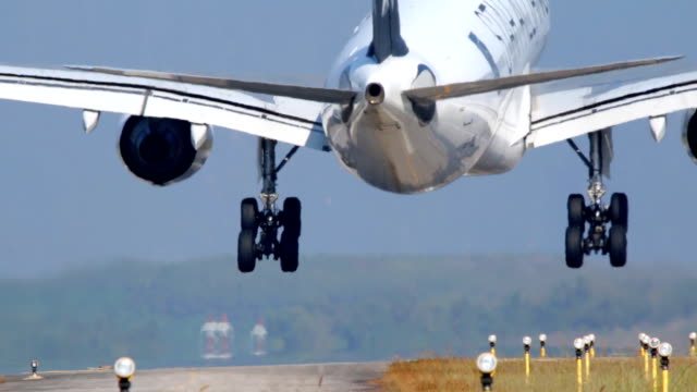 airplane landing. - land stock videos & royalty-free footage
