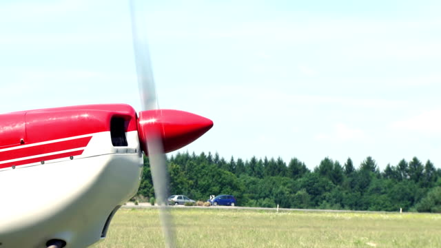 airplane propeller - propeller aeroplane stock videos & royalty-free footage