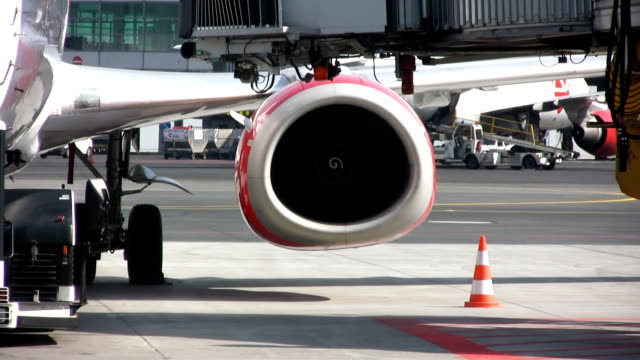 airplane (hd) - jet engine stock videos & royalty-free footage