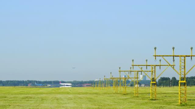 stockvideo's en b-roll-footage met airplanes  taking off - noord holland