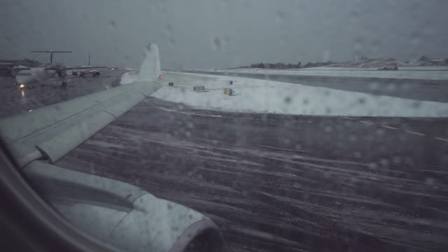 Airport delay due to snowy bad weather