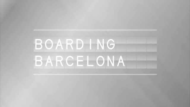 vídeos y material grabado en eventos de stock de junta de salida de aeropuerto y barcelona embarque - señal de información