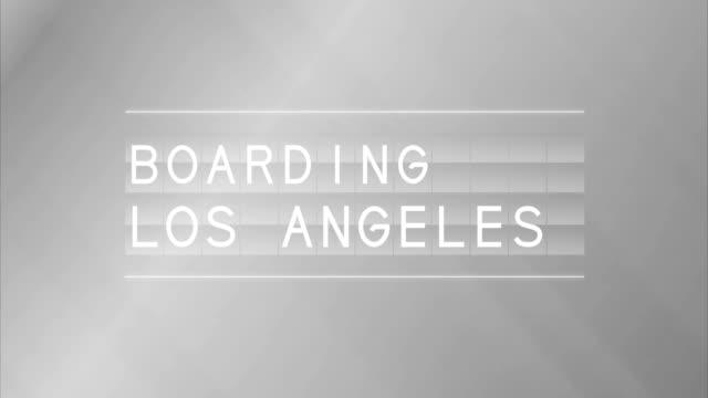 vídeos y material grabado en eventos de stock de board junta de salida de aeropuerto y los ángeles - señal de información