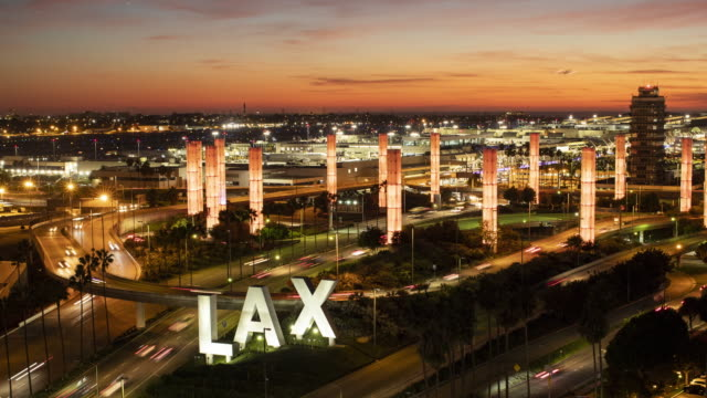 lax airport with rush hour traffic - city of los angeles bildbanksvideor och videomaterial från bakom kulisserna