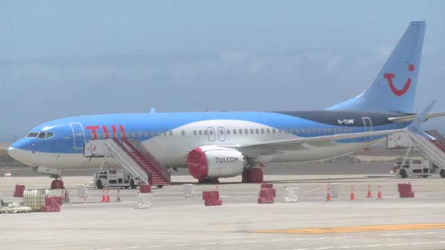 airways boeing 737 max 8 airplane grounded at tenerife south - reina sofia international airport tsf gcts in tenerife, canary islands in spain, the... - number 9 video stock e b–roll