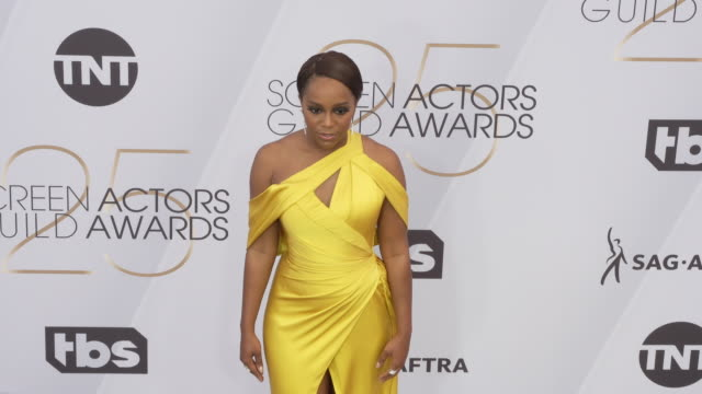 aja naomi king at the 25th annual screen actors guild awards at the shrine auditorium on january 27 2019 in los angeles california - screen actors guild awards stock videos & royalty-free footage