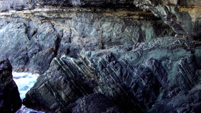 höhlen von ajuy - fuerteventura - atlantikinseln stock-videos und b-roll-filmmaterial
