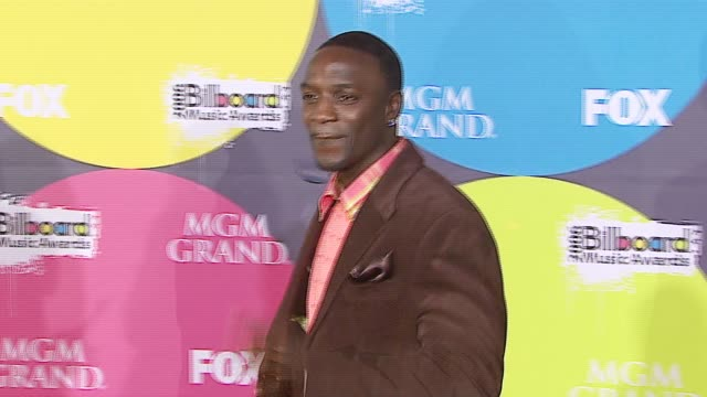 akon at the 2006 billboard music awards at the mgm grand hotel in las vegas nevada on december 4 2006 - mgm grand las vegas stock videos & royalty-free footage