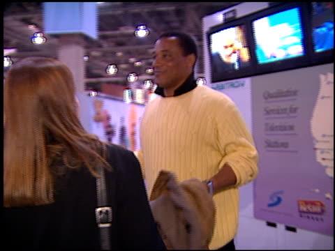 al cowlings at the natpe 96 at las vegas sands convention center in las vegas nevada on january 22 1996 - natpe convention bildbanksvideor och videomaterial från bakom kulisserna