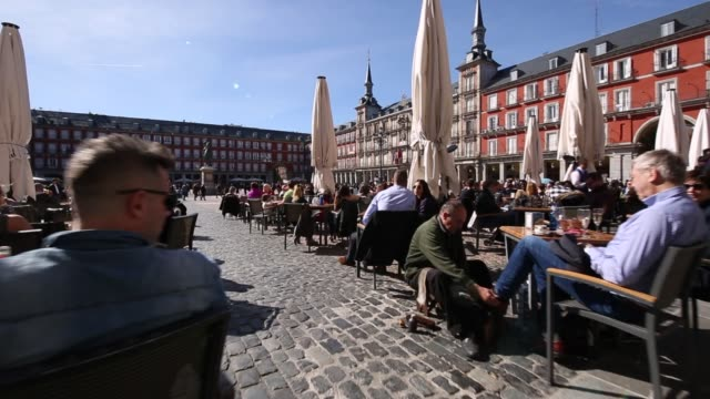 al fresco restaurants in plaza mayor, madrid, spain, europe - spanish culture stock videos & royalty-free footage