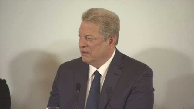 vídeos de stock, filmes e b-roll de interview al gore on film being the best medium to deliver a message on politicians having to implement solutions to global warming at 'an... - a. gore