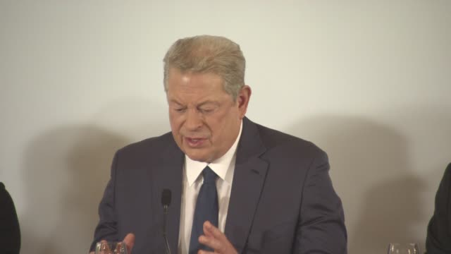 interview al gore on the message and the purpose of the film at 'an inconvenient sequel' press conference at palais des festivals on may 22 2017 in... - ドキュメンタリー映画点の映像素材/bロール