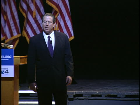 stockvideo's en b-roll-footage met al gore speaks to an audience about global warming criticizing the bush administration on environmental policies - united states and (politics or government)