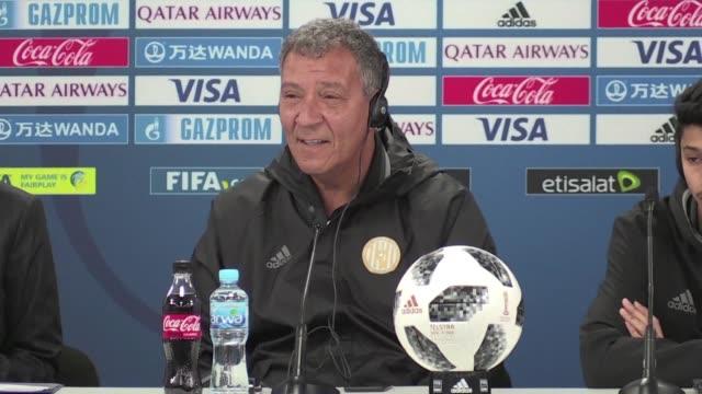 vídeos de stock e filmes b-roll de al jazira football club coach henk ten cate said during an abu dhabi press conference he was confident in his team following their win against... - maça