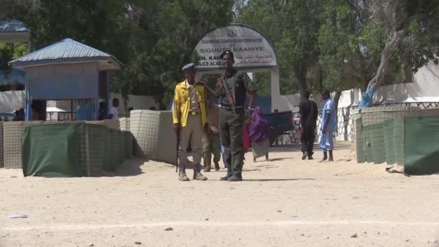Al menos 18 policias murieron el jueves en un atentado suicida contra una escuela de policias en Mogadiscio