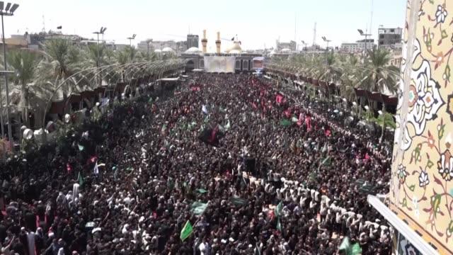 al menos 31 personas murieron y un centenar resultaron heridos el martes en una estampida humana que enluto la peregrinacion chiita de ashura en la... - muharram stock videos & royalty-free footage