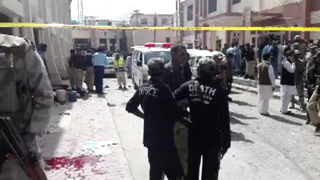 al menos 70 personas murieron y mas de un centenar resultaron heridas el lunes cuando un atacante suicida se hizo explotar en medio de una multitud... - multitud stock videos & royalty-free footage