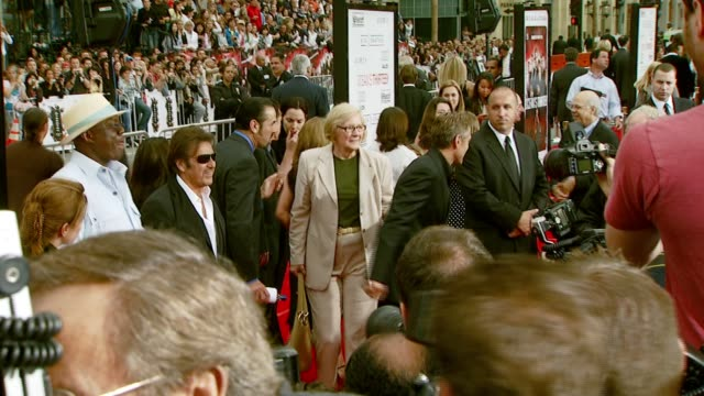 al pacino and george clooney at the 'ocean's thirteen' north american premiere at grauman's chinese theatre in hollywood california on june 5 2007 - 2007 stock videos & royalty-free footage