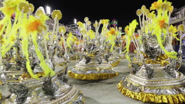 ms ala das baianas dance in rio carnival parade / rio de janeiro, brazil - リオデジャネイロ点の映像素材/bロール