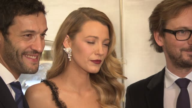 stockvideo's en b-roll-footage met alain bernard blake lively and nicolas bos at van cleef arpels hosts cocktail party to unveil the redesigned new york 5th avenue flagship maison at... - van