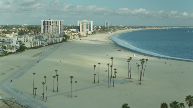 alamitos beach a long beach, california - drone shot - long beach california video stock e b–roll