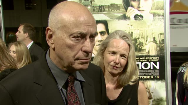 vidéos et rushes de alan arkin on what drew him to the role, the impact of the film, and his role at the 'rendition' los angeles premiere at academy of motion picture... - academy of motion picture arts and sciences