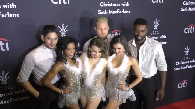 vídeos de stock, filmes e b-roll de alan bersten britt stewart dennis jauch brittany cherry hayley erbert keo motsepe at the grove christmas with seth macfarlane presented by citi at... - the grove los angeles