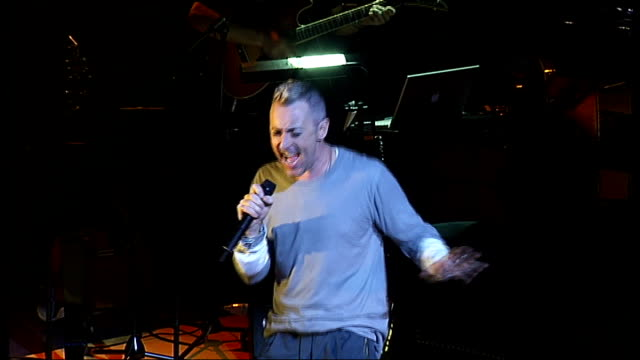 alan cumming performing on stage in comedy show 'i bought a blue car today' sot - alan cumming stock videos & royalty-free footage