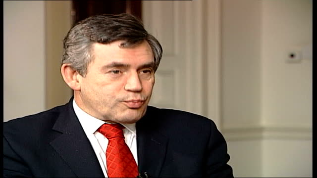stockvideo's en b-roll-footage met alan greenspan resigns as chairman of america's central bank; england: london: gordon brown mp interview sot - one of the things thats interesting is... - voorzitter