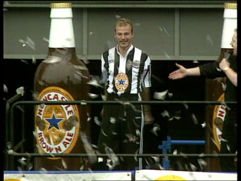 alan shearer joins newcastle united:; england: newcastle: st james' park: ext cms alan shearer cbv fan looking at stage cms alan shearer intvwd sot -... - newcastle upon tyne stock videos & royalty-free footage
