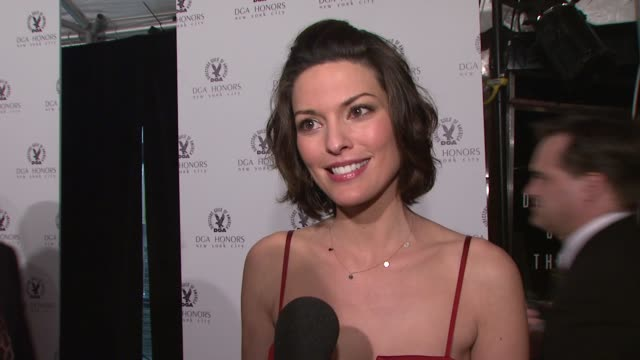 vídeos de stock, filmes e b-roll de alana de la garza on coming out to support the dga and dick wolf what she thinks makes a great director whose work she admirers and why she thinks... - director's guild of america