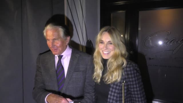 alana stewart & ex-husband george hamilton share thoughts on george h.w. bush after dinner at craig's restaurant in los angeles in celebrity... - alana stewart stock videos & royalty-free footage