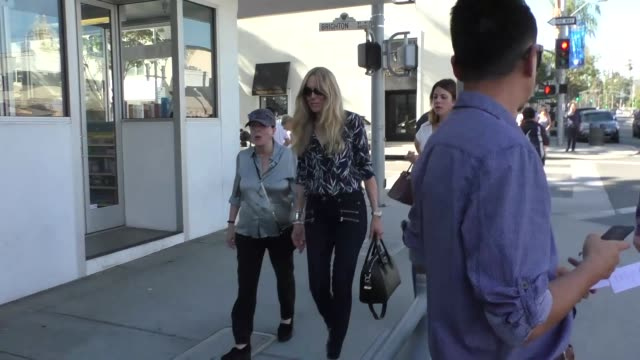 alana stewart shopping in beverly hills at celebrity sightings in los angeles on october 27, 2017 in los angeles, california. - alana stewart stock videos & royalty-free footage