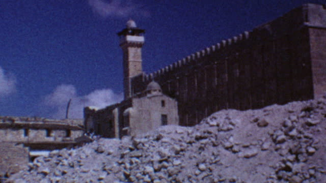 alaqsa mosque at old city on august 10 1967 in jerusalem israel - sechstagekrieg stock-videos und b-roll-filmmaterial