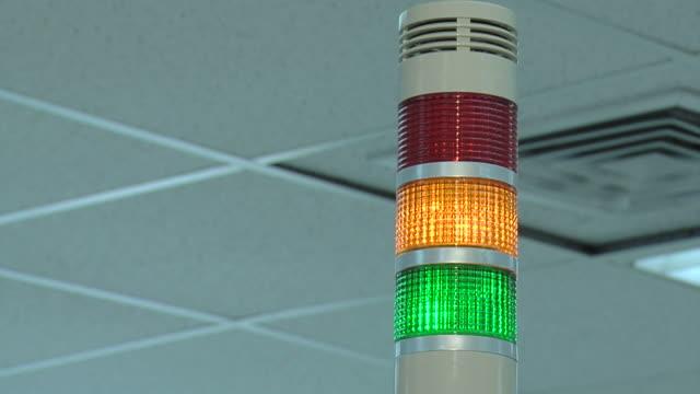 alarm system - blaulicht stock-videos und b-roll-filmmaterial