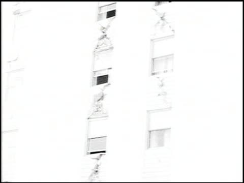 [alaska earthquake damage] - 13 of 36 - andere clips dieser aufnahmen anzeigen 2021 stock-videos und b-roll-filmmaterial