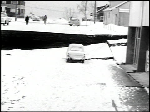 stockvideo's en b-roll-footage met [alaska earthquake damage] - 15 of 36 - 1964