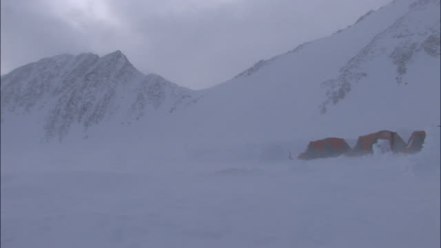 alaska mckinley - blizzard stock videos & royalty-free footage