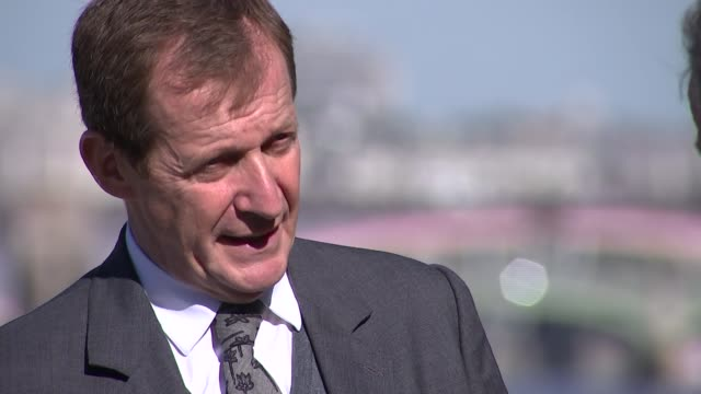 alastair campbell on his late brother's battle with schizophrenia alastair campbell interview sot - schizofreni bildbanksvideor och videomaterial från bakom kulisserna