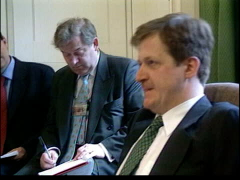 stockvideo's en b-roll-footage met alastair campbell resigns itn lib campbell in press briefing campbell press conference sot the prime minister would never allow the labour party to... - neil kinnock