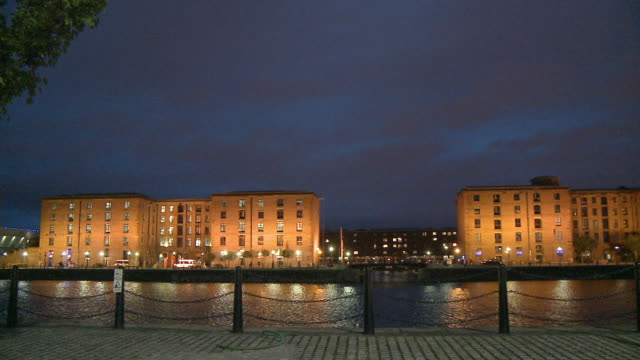 WS, PAN, Albert Dock Buildings along Salthouse Dock illuminated at  night, Liverpool, England