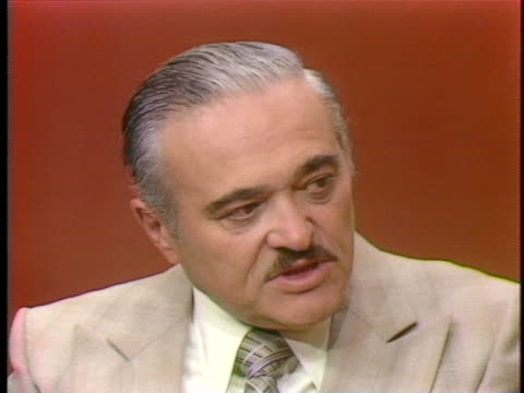 albert seidman, vice president of security at alexander's in new york talks about shoplifting in the 1970's. - 万引き点の映像素材/bロール