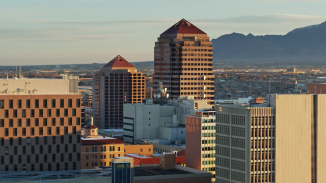albuquerque from downtown to mountain foothills - drone shot - new mexico stock videos & royalty-free footage