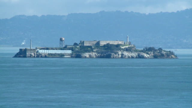 vidéos et rushes de ws, alcatraz island, san francisco bay california, usa - île d'alcatraz