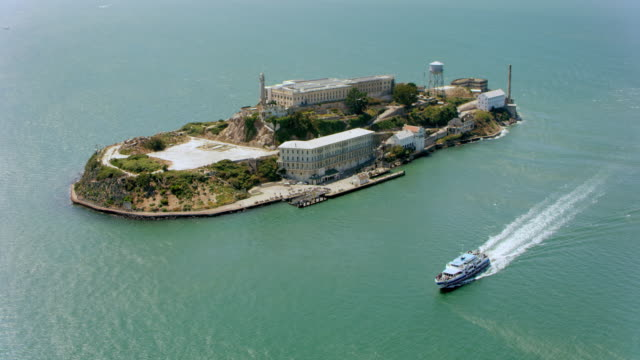 aerial alcatraz island, san francisco, ca - wake water stock videos & royalty-free footage