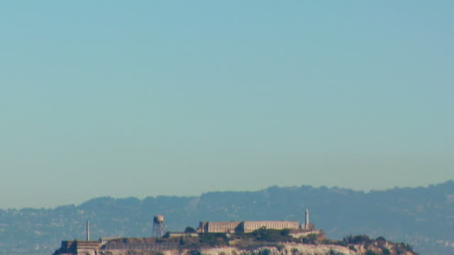 alcatraz pan down - alcatraz island stock videos & royalty-free footage