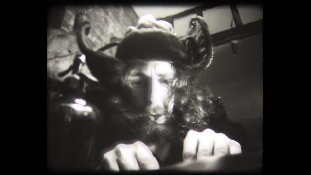 vídeos y material grabado en eventos de stock de 1973 alchemist mixes potion - marihuana hierba de cannabis